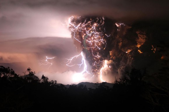 The Chaiten volcano erupting during storms in the middle of the night (Daily Mail - UK Newspaper)