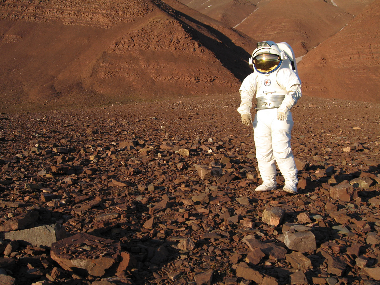 if i were an astronaut on mars If i were to land on mars a small malfunction lands three astronauts on russia's version of the red planet the recovery crew arrived five hours after the soyuz landed.