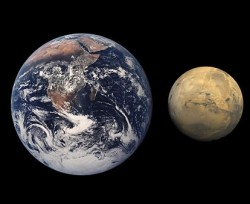 Earth and Mars. Image credit: NASA/JPL