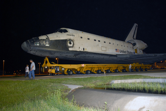 Atlantis rolls over to the Vehicle Assembly Building.  Credit: NASA