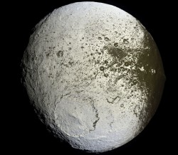 Saturn's moon Iapetus. Image credit: NASA/JPL/SSI
