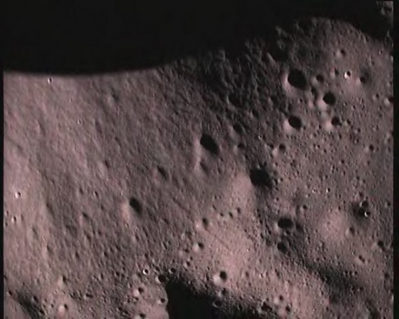 close up pictures of the moon&#039;s surface taken by Moon Impact Probe (MIP) on November 14, 2008 