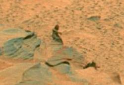 Detail from a panorama taken by the Mars Exploration Rover Spirit on sol 1,366-1,369 (November 6-9, 2007). Credit: NASA / JPL / Cornell