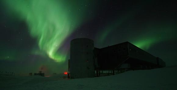 Aurora Australis over the elevated station at Amundsen-Scott South Pole Station, Antarctica. Credit: Calee Allen, National Science Foundation