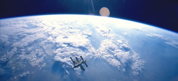 The Mir space station hangs above the Earth in 1995 (photo by Atlantis STS-71, NASA)