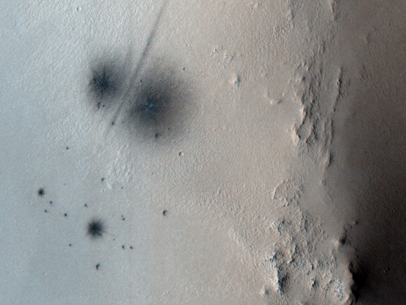 Full HiRISE Image. Credit: NASA/JPL/University of Arizona