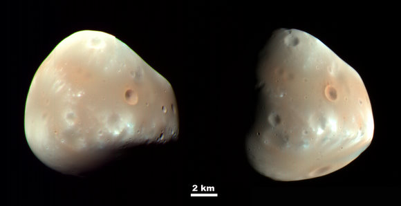 Two images of Deimos taken 5.5 hours apart. Credit: NASA/JPL/U of Arizona