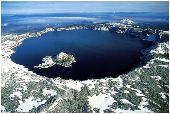 Crater Lake in Oregon. Image credit: Zainubrazvi