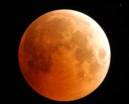 Total Lunar Eclipse, 2004. Credit: Fred Espenak