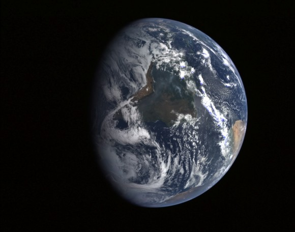 Planet Earth seen from Messenger. Image credit: NASA