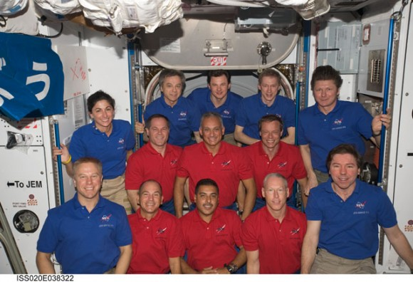 The astronauts from both crews on the ISS. Credit: NASA