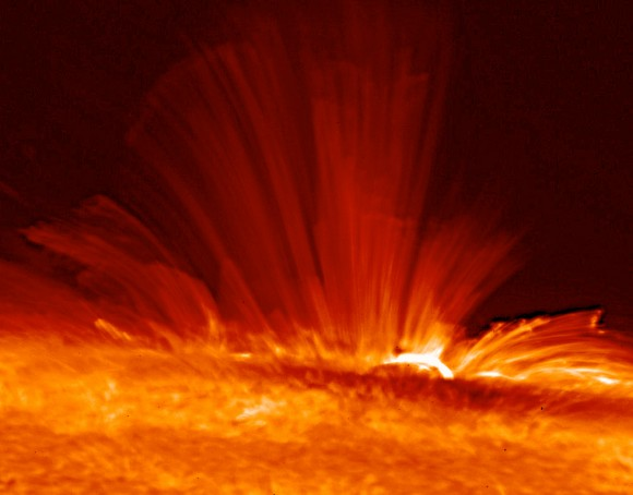 Plasma on the surface of the Sun. Image credit: Hinode