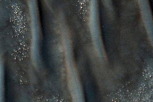 Dark dunes.  Credit: NASA/JPL/University of Arizona