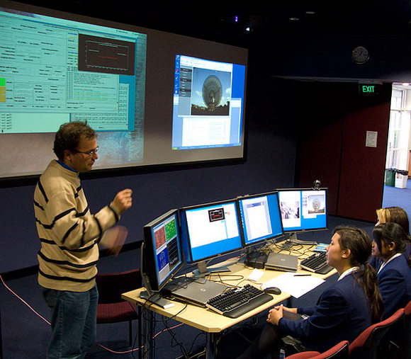 Students in Sydney controlling the Parkes radio telescope. Credit:  R. Hollow, CSIRO