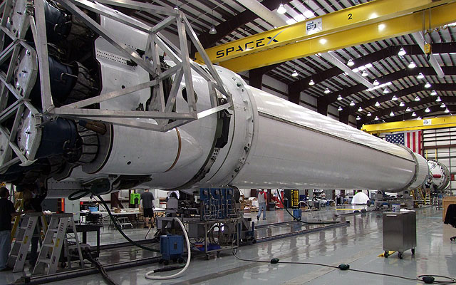 hangar 9 falcon spacex - photo #21