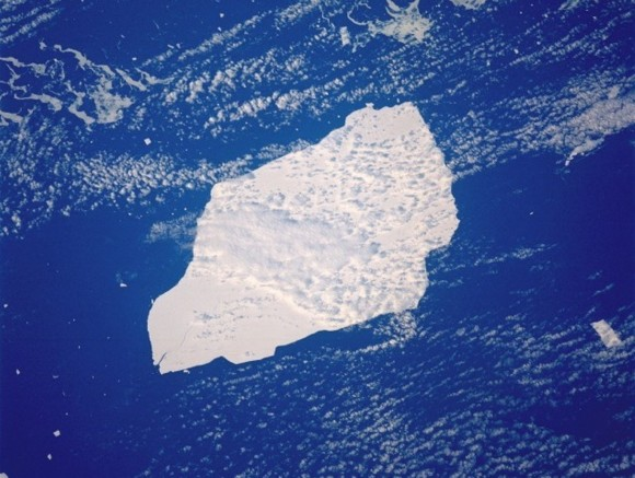 Iceberg, South Atlantic Ocean September 1991