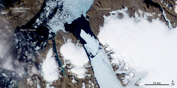 Enormous chuck of ice breaks off the Petermann Glacier in Greenland. Credit: NASA.