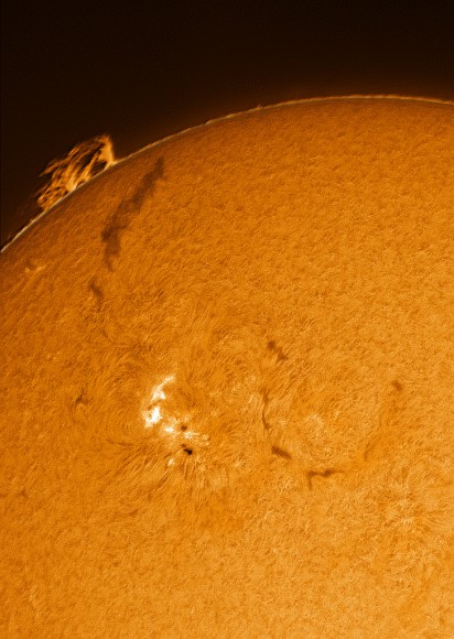 Astrophoto: Sun's Active Region by Paul Andrew