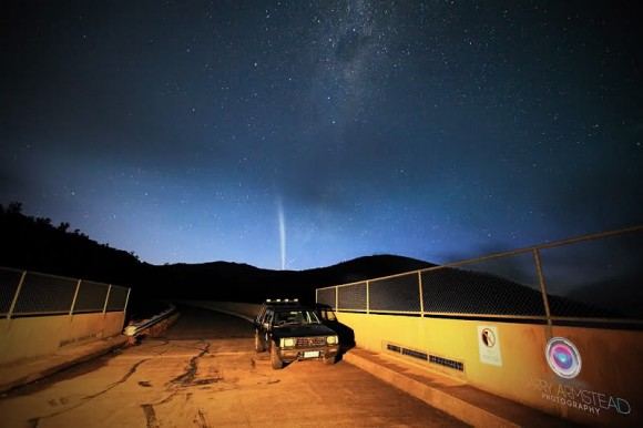 Astrophoto: Comet Lovejoy from Canberra by Barry Armstead