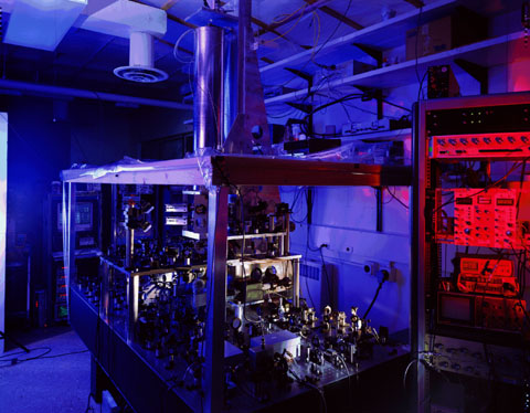 An atomic clock; a relic of a bygone age? Image credit: NIST