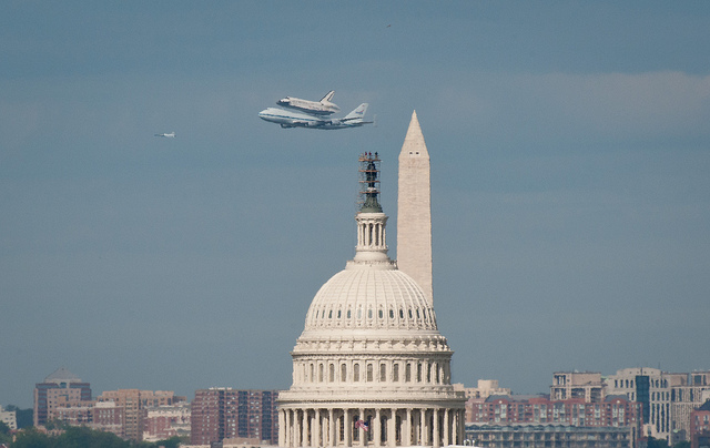 Shuttle Discovery Flies Over Washington D.C. to New Home