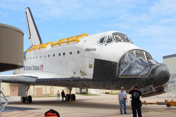Shuttle Atlantis as it Enters the Vehicle Assembly Building (Ryan Horan)