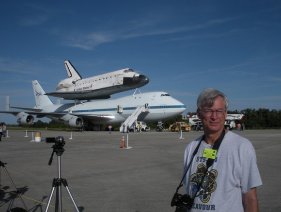 Ken Kremer & Endeavour at KSC Sep 2012