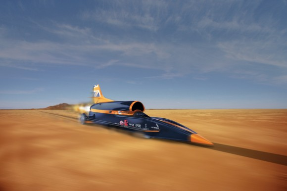 BloodhoundSSC-front-dynamic-Image-Credit-Curventa-and-Siemens