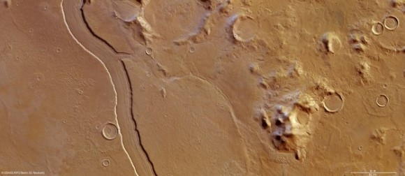 High-Resolution Stereo Camera image of Reul Vallis taken on May 14, 2012 by ESA's Mars Express. Credit:  ESA/DLR/FU Berlin (G. Neukum)