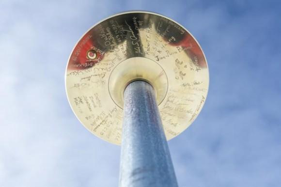 pole-marker-underside
