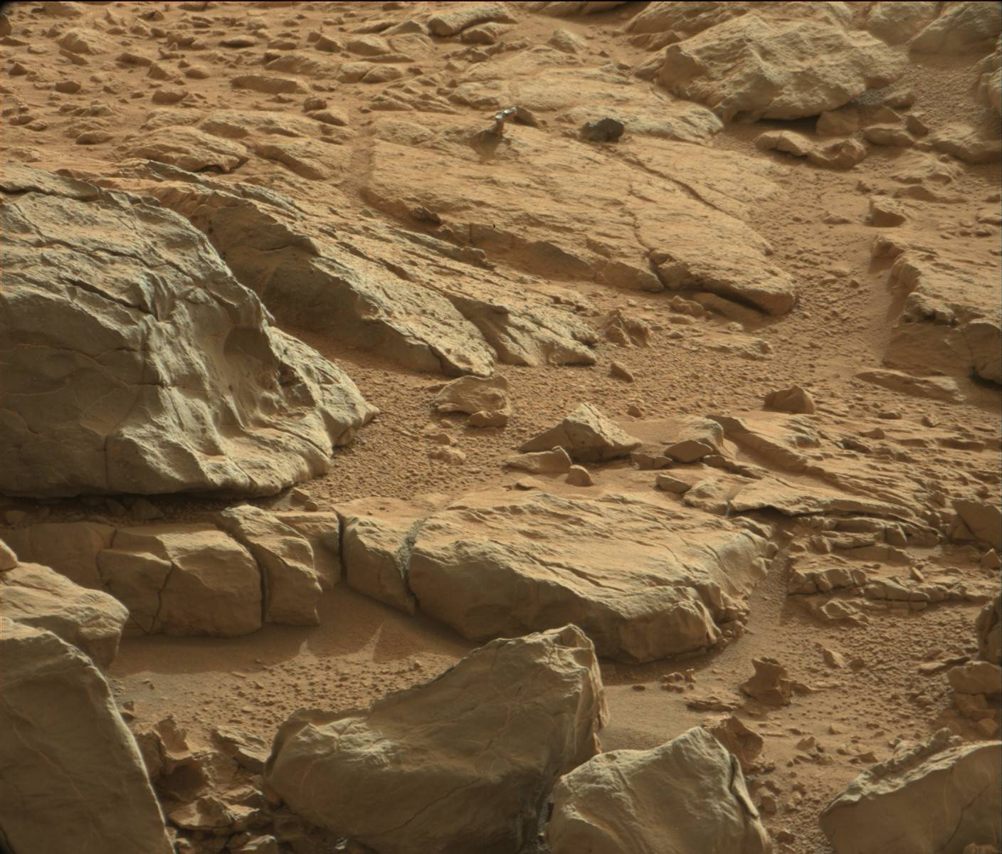 scientist explains the weird shiny thing on mars. Black Bedroom Furniture Sets. Home Design Ideas