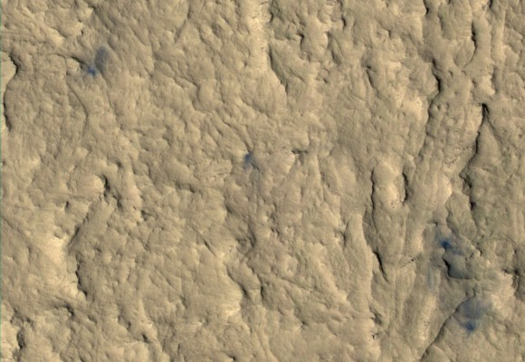 Enhanced-color HiRISE image of impact craters from MSL's ballast weights (NASA/JPL-Caltech)