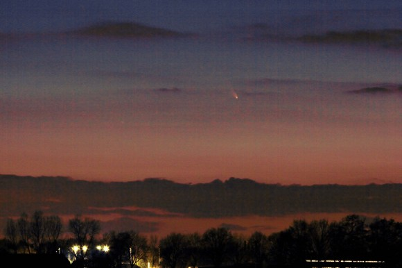 Comet Pan-STARRS thrills Dutch observers of the Night Sky on March 14, 2013 shortly after sunset - note the rich hues.  Shot with a Canon 60D ca