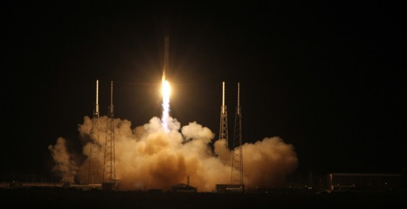 SpaceX Falcon 9 rocket liftoff on May 22, 2012 from Space Launch Complex-40 at Cape Canaveral Air Force Station, Fla., on the first commercial mission to the International Space Station.  Credit: Ken Kremer