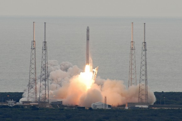 Dragon launches on the SpaceX Falcon 9 on March 1, 2013. Credit: John O'Connor/nasatech