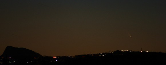 Comet PANSTARRS as seen over Fountain Hills, Arizona. Credit and copyright: Nice Leister,