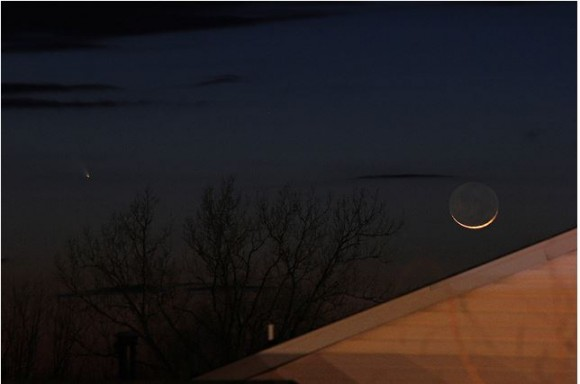 Crescent Moon and Comet PANSTARRS over Columbia, Missouri. Credit and copyright: Naghrenhel on Flickr.