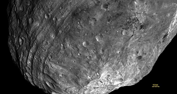 Dawn image of Vesta showing its nearly circumferential equatorial grooves (NASA/JPL-Caltech/UCLA/MPS/DLR/IDA)
