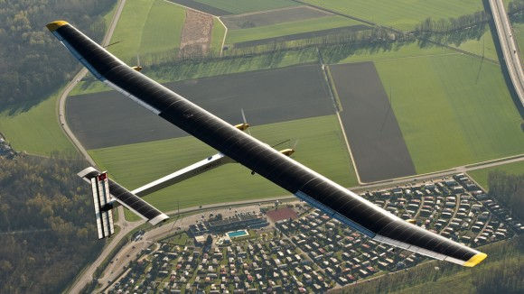 The Solar Impulse, a solar-powered plane, flies over Switzerland. Credit: Solar Impulse.