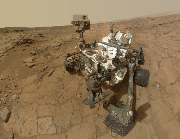 Mosaic self-portrait of Curiosity at the John Klein outcrop on Feb. 3, 2013 (NASA/JPL-Caltech/MSSS)