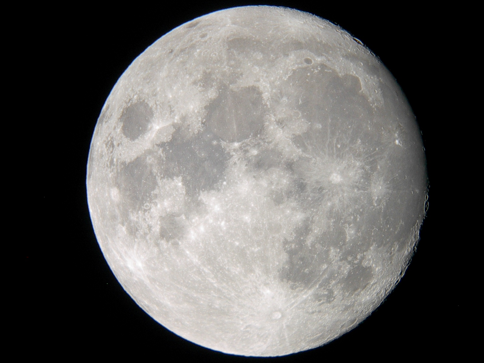 ... moon flashes transient lunar phenomena could be linked to solar cycle