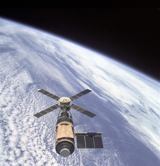 View of the Skylab Orbital Workshop in Earth orbit as photographed during departure of its last astronaut crew on Slylab 4 mission for the return home in Apollo capsule. Credit: NASA