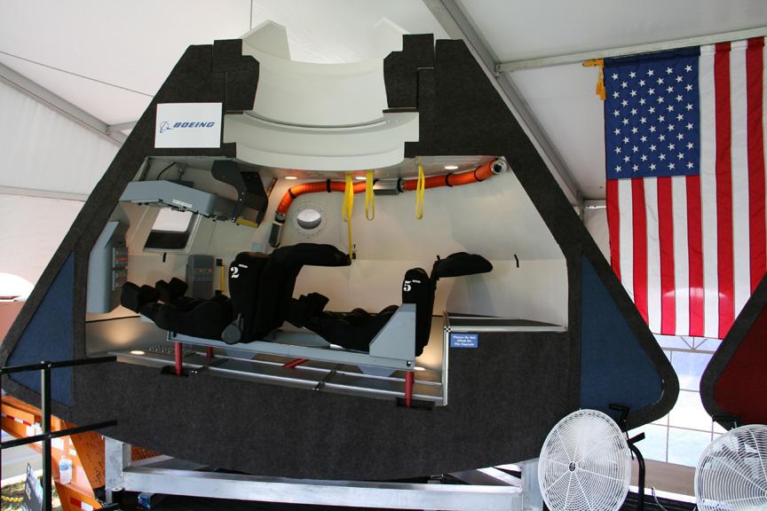 dragon capsule cst 100 spacecraft vs - photo #1