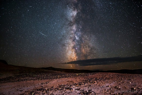 Perseid Meteor and the Milky Way, in the Red Desert of Wyoming, August 11, 2013. Credit and copyright: Randy Halverson/dakotalapse.