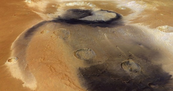 This view of Becquerel Crater on Mars shows the effects of wind on the Red Planet. Credit: ESA/DLR/FU Berlin (G. Neukum)