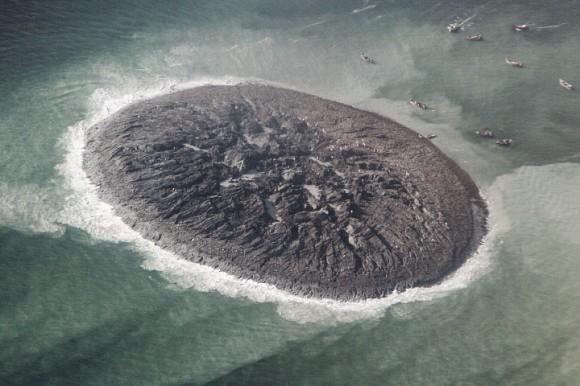 Foto aérea del volcán de lodo Gwadar (Instituto Nacional de Oceanografía, Pakistán)