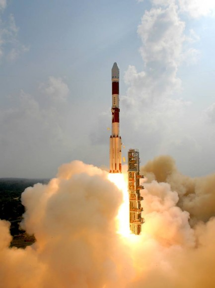 Spectacular view of the PSLV C25 leaving the First launch pad with ISRO's Mars Orbiter Mission spacecraft on Nov. 5, 2013. Credit: ISRO