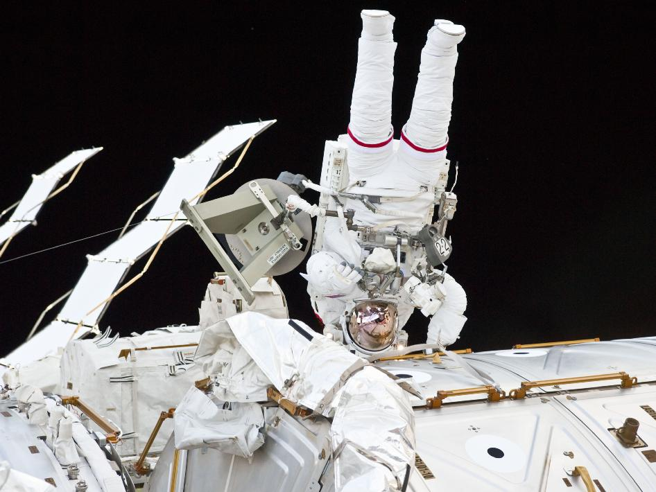 Watch Live As Astronauts Fix The Space Station Saturday