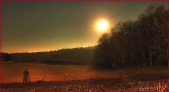The morning's setting Moon and Jupiter, on January 15th, 2014. Photo taken near White Haven, Pennsylvania.  Credit and copyright: Tom Wildoner.