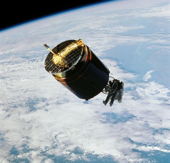 How We Will Retrieve Dead Satellites In The Future? Hint: It Likely Won't Be Using Astronauts